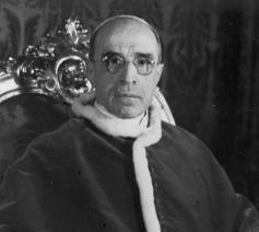 Paus Pius XII in 1950 © rkk