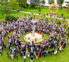 Verbroedering van de afgevaardigden uit 100 landen © RFP