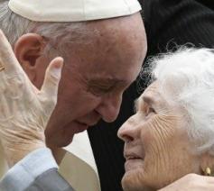Paus Franciscus draagt de ouderen in zijn hart © Vatican Media