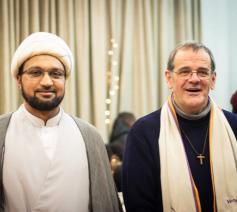 Sjeik Tassawar van de Jaffaria-moskee in Sint-Jans-Molenbeek en pastoor Marc Leroy van de Sint-Annaparochie in Koekelberg © Jan Van Eycken