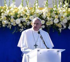 Paus Franciscus tijdens de ontvangst bij de Slovaakse president © Vatican Media