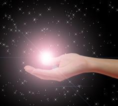 God draagt ieder sterretje in Zijn handpalm!