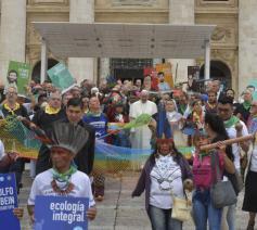 Ook inheemsen zijn massaal present © Vatican Media