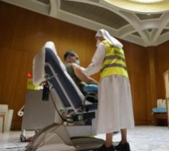 De gezondheidsdienst van het Vaticaan vaccineert behoeftigen © Vatican Media