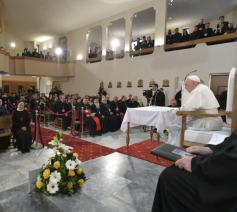 Paus Franciscus, tijdens de interreligieuze ontmoeting in Skopje © Vatican Media