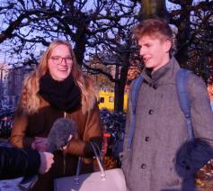 Hoeveel % van de Belgen doet aan vrijwilligerswerk, denk je? Voxpop aan het Sint-Pietersstation. © Koen Vlaeminck