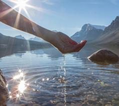 Het Vaticaan verdedigt het recht op zuiver, drinkbaar water © SIR