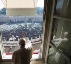 Paus Franciscus tijdens het Angelus van zondag © SIR/Vatican Media