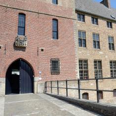Grafelijk slot van Male. Hier huisde tot voor enkele jaren de abdijgemeenschap Sint-Trudo.