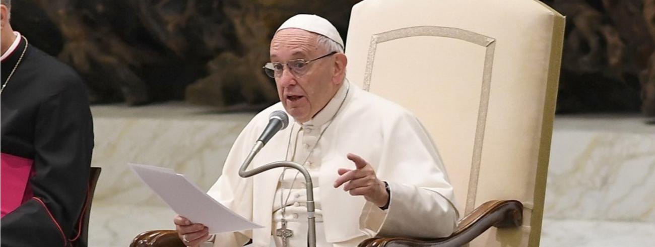 Paus Franciscus tijdens de algemene audiëntie op woensdag 23 november © SIR