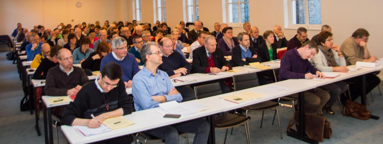 Leden dekenale ploegen bisdom Gent eerste maal bijeen op 19 november 16 © Bisdom Gent, foto: Karel Van de Voorde