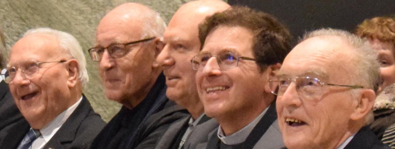 Bert Van Brabant, abt René Fobe, Adelbert Denaux, bisschop Lode Aerts en Frans Lefevre © Inge Cordemans
