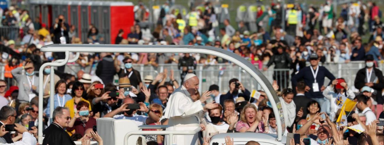 Paus Franciscus net voor de slotviering in de Onze-Lieve-Vrouw van de Zeven Smartenbasiliek in het Slovaakse Sastin © VaticanMedia