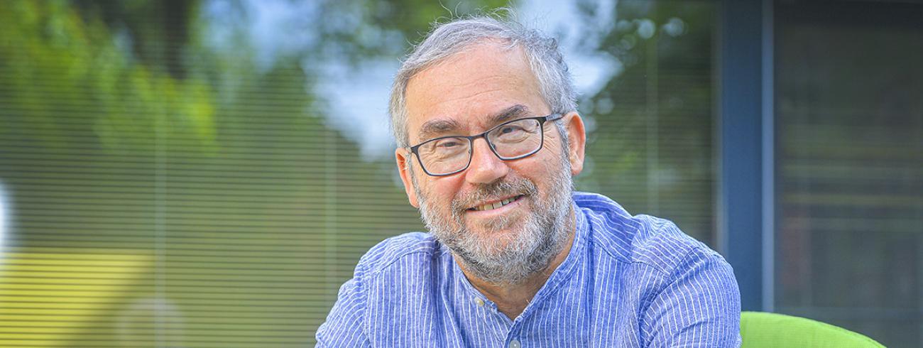 """""""Het christendom is een teken van tegenspraak. Het echte christendom heeft iets tegendraads, iets gevaarlijks"""", stelt Guido Vanheeswijck.  © Frank Bahnmuller"""
