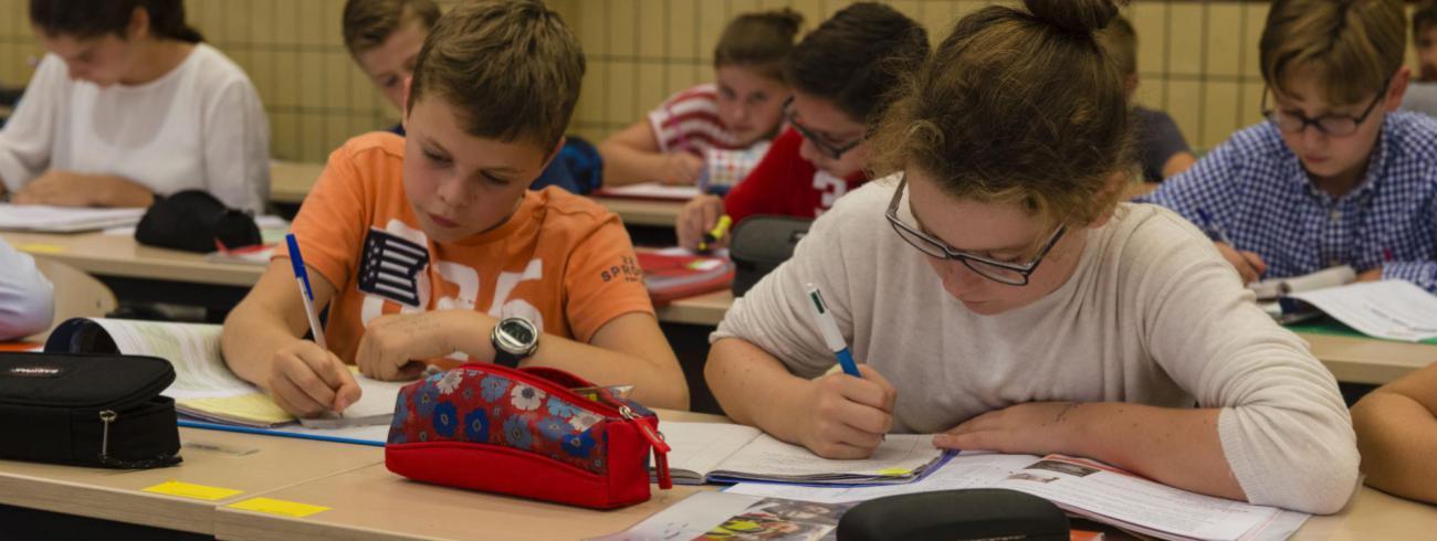 Door artikel 24 voor wijziging vatbaar te verklaren, maakte de Kamer een opening voor het afschaffen van de plicht  om op school een levensbeschouwelijk vak te volgen. De Senaat oordeelde anders.  © Kleinseminarie Roeselare