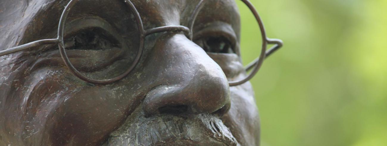 "Mohandas – ""Mahatma"" – Gandhi. © RR"
