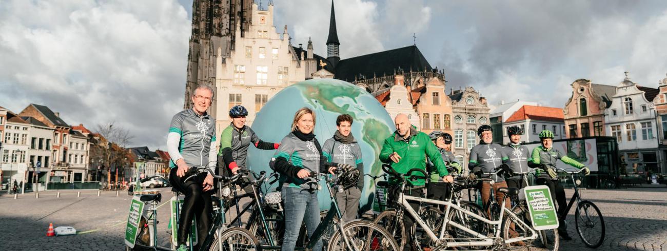 Broederlijk Delen gaf met een ludieke actie, en met de steun van verschillende BV's, het startschot voor zijn vastencampagne 2020 in Mechelen © Broederlijk Delen
