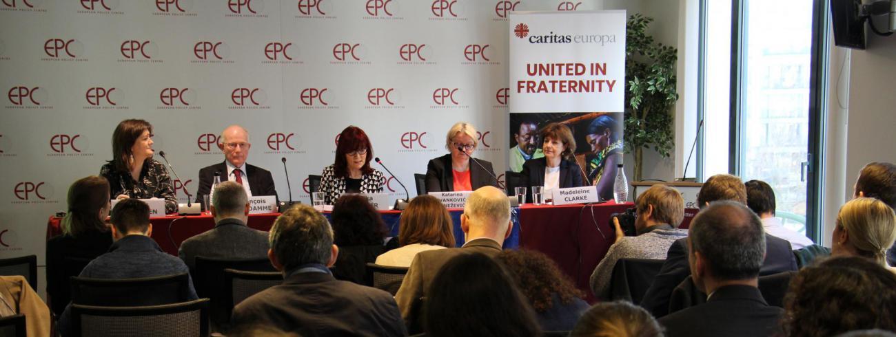 De voorstelling van het Caritas-armoederapport © Caritas Europa