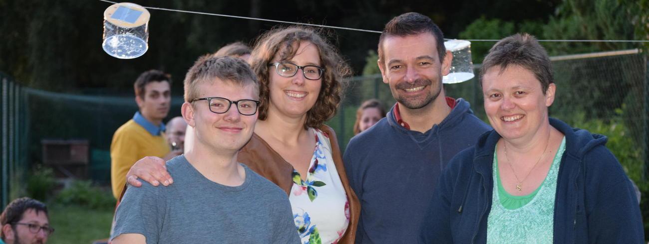 Lukas, Nele en Annelies samen met Rik Cloet