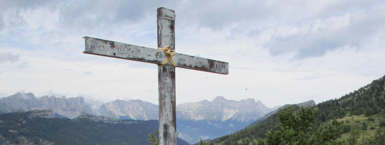 Uitzichtpunt, rustpunt, ijkpunt… Niet voor dit jaar? Of ook 'spiritueel' te beleven? (Franse Vercors)  © jh