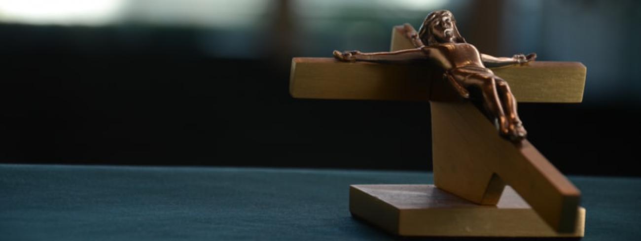 'JUist vanuit het vanuit het Evangelie heeft de Kerk een heel sterk aanbod voor het geluk van mensen' © IV Horton/Unsplash