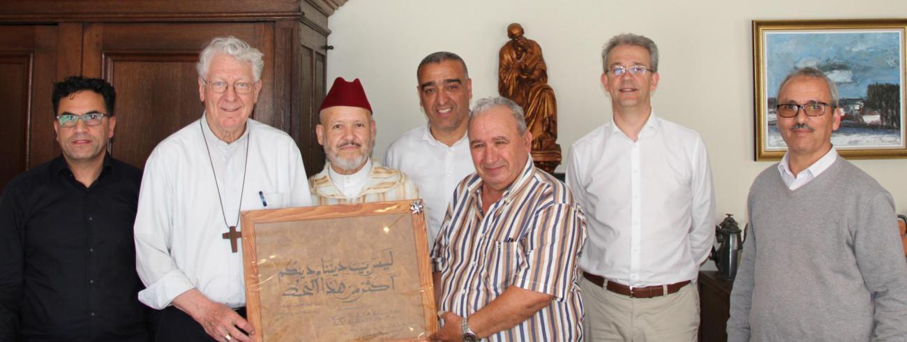 Vertegenwoordigers moskeeën en bisschop Van Looy 26 juni 2019 © Bisdom Gent, foto: Ellen Eeckhout