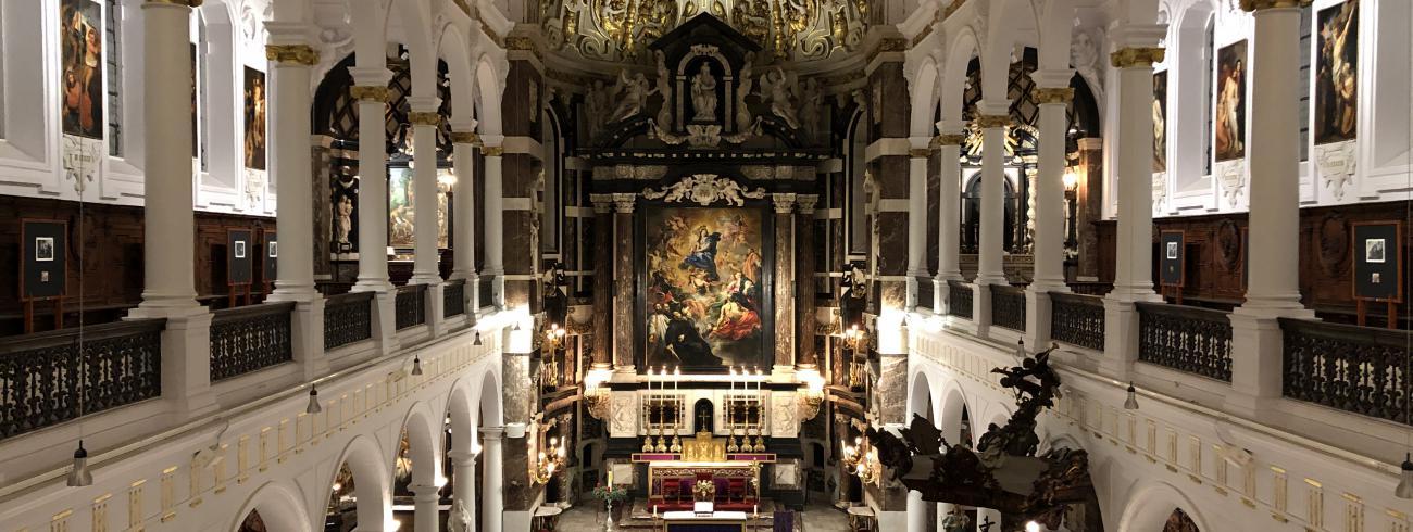 Zicht op het schip en het hoofdaltaar van de Sint-Carolus Borromeuskerk © Kerkfabriek van Sint-Carolus Borromeus Antwerpen