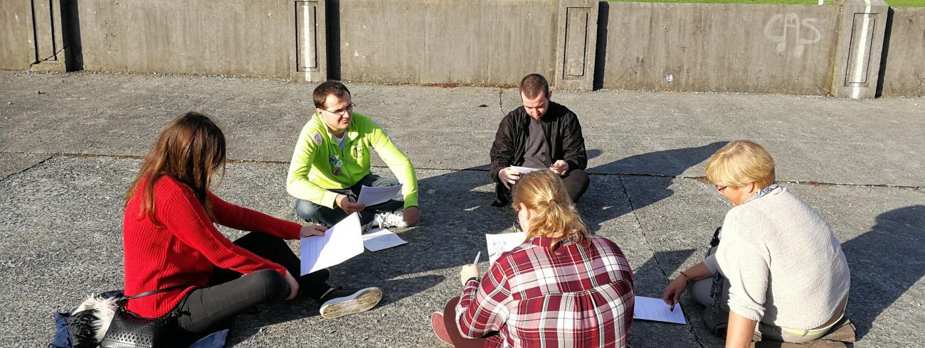 Jongeren wisselen uit over hun geloof naar aanleiding van de jongerensynode. © IJD Gent, foto: Isolde Ruelens
