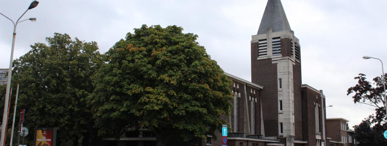 De kerk van St.-Jan Evangelist op het Valaar in Wilrijk © JvR