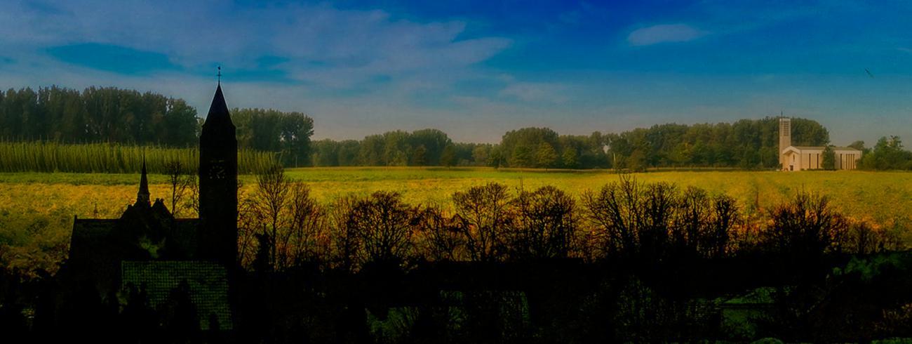 KerKembodegem: O.L.V-hemelvaartskerk en Ten Bos (Sint Amanduskerk)