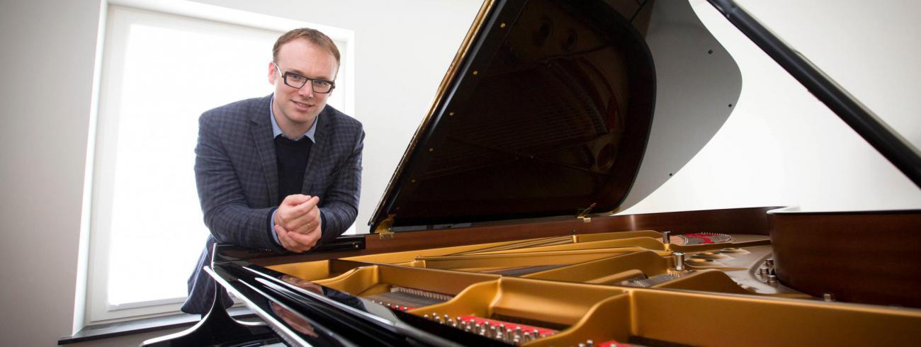 Pianist Liebrecht Vanbeckevoort © Mine Dalemans