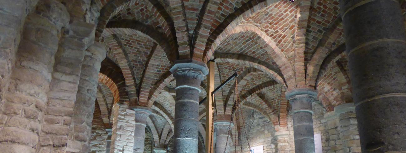 Crypte Sint-Hermes, Ronse © Milo Van den Driessche