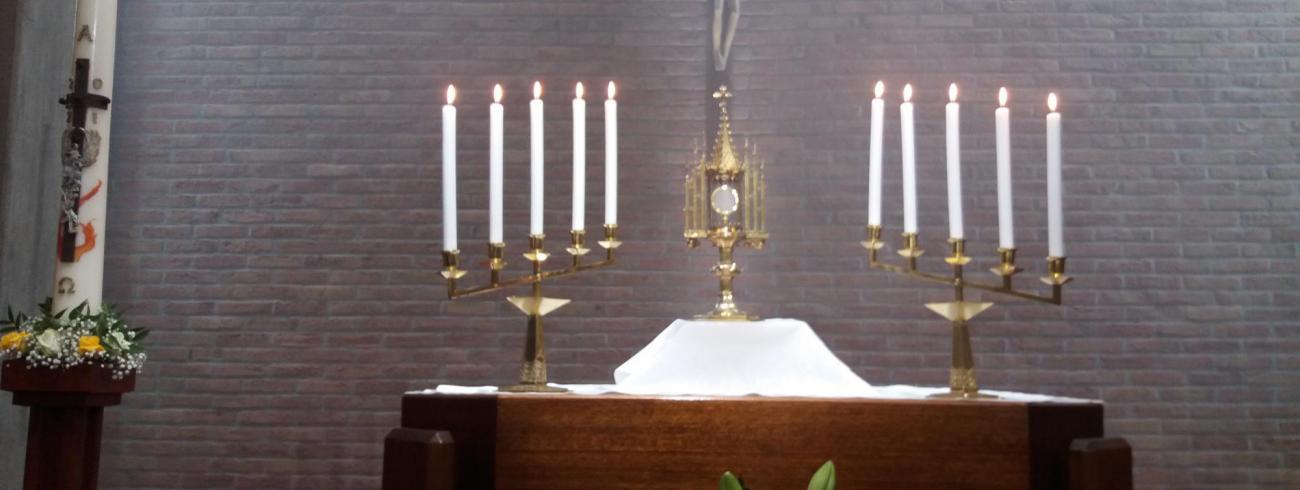 Aanbidding in seminariekapel  © Johannes 23 seminarie