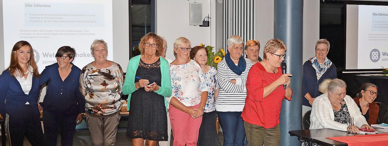 Vrijwilligers van Welzijnsschakel Komaraf werden onlangs voorgesteld aan diverse sociale bewegingen. © © Greet De Roye