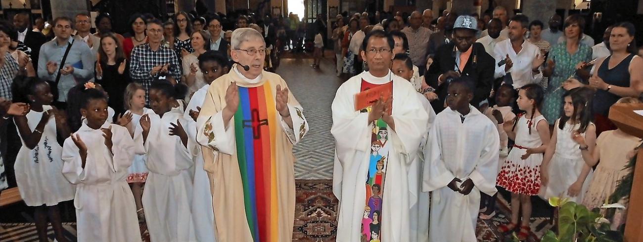 Priester Marcel De Meyer in de Regenboogkerk © K&L