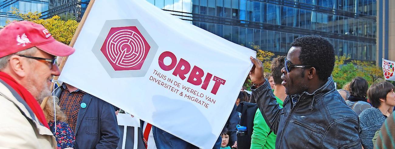 Via debatten, interlevensbeschouwelijke ontmoetingen en informatieve workshops wil ORBIT het multicultureel samenleven bevorderen en een menswaardig overheidsbeleid inzake migratie bewerkstelligen. © ORBIT vzw