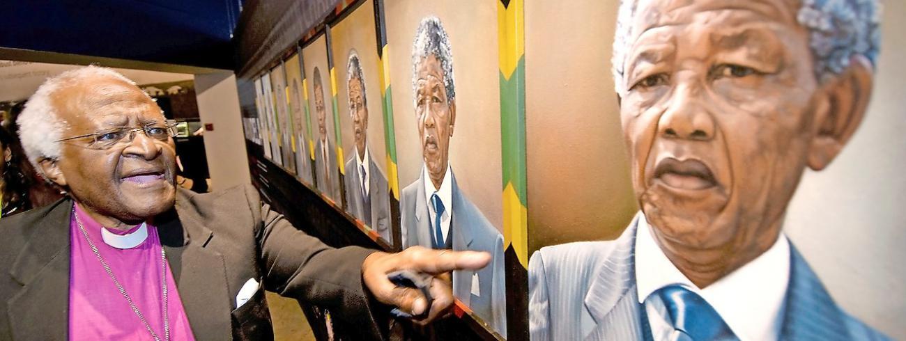 De Waarheids- en Verzoeningscommissie in Zuid-Afrika met Desmond Tutu (foto) verleende amnestie in ruil voor de waarheid.  © © Belga Image