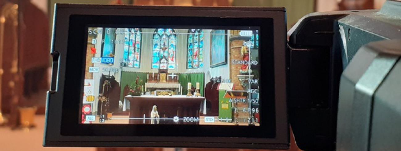 filmen in de kerk van Oostkerke