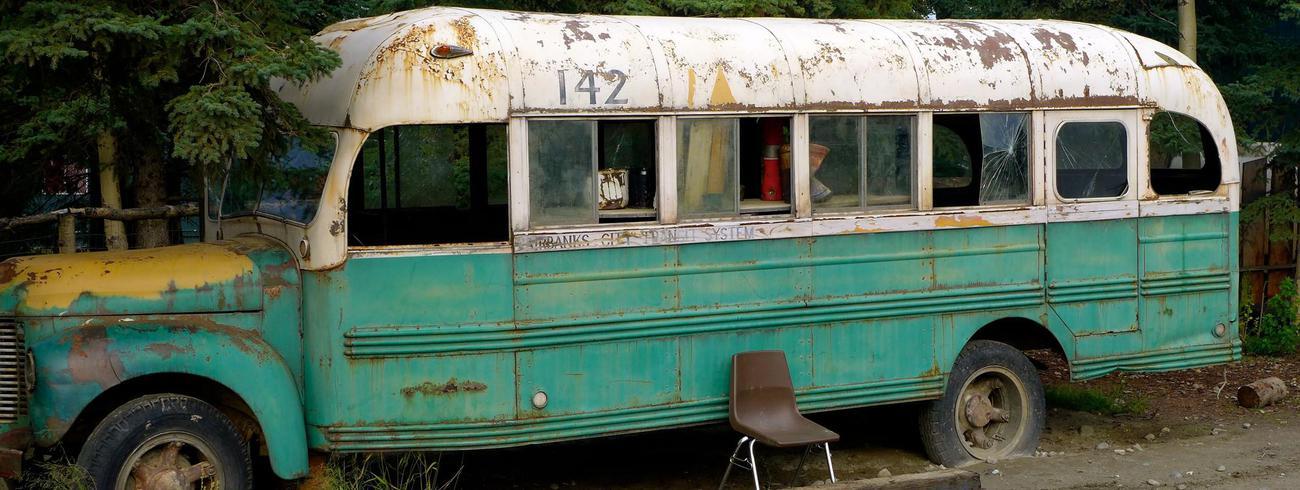Replica van de bekende McCandless-bus voor de film Into the Wild © Wikimedia Commons