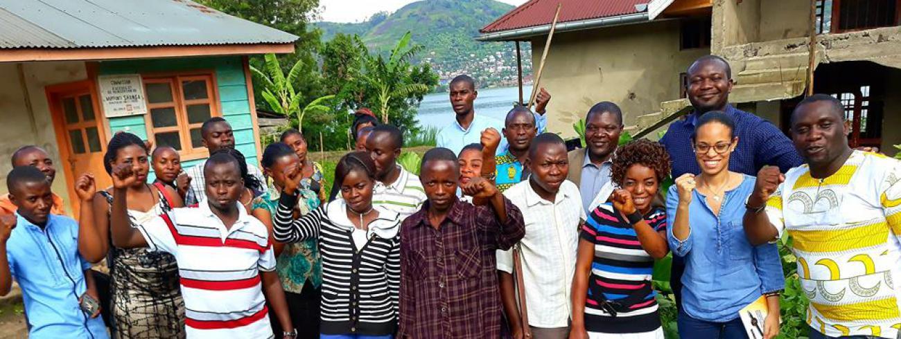 Jongerenclub van Africa Reconciled. Nadia Nsayi is de tweede van rechts. © Pax Christi