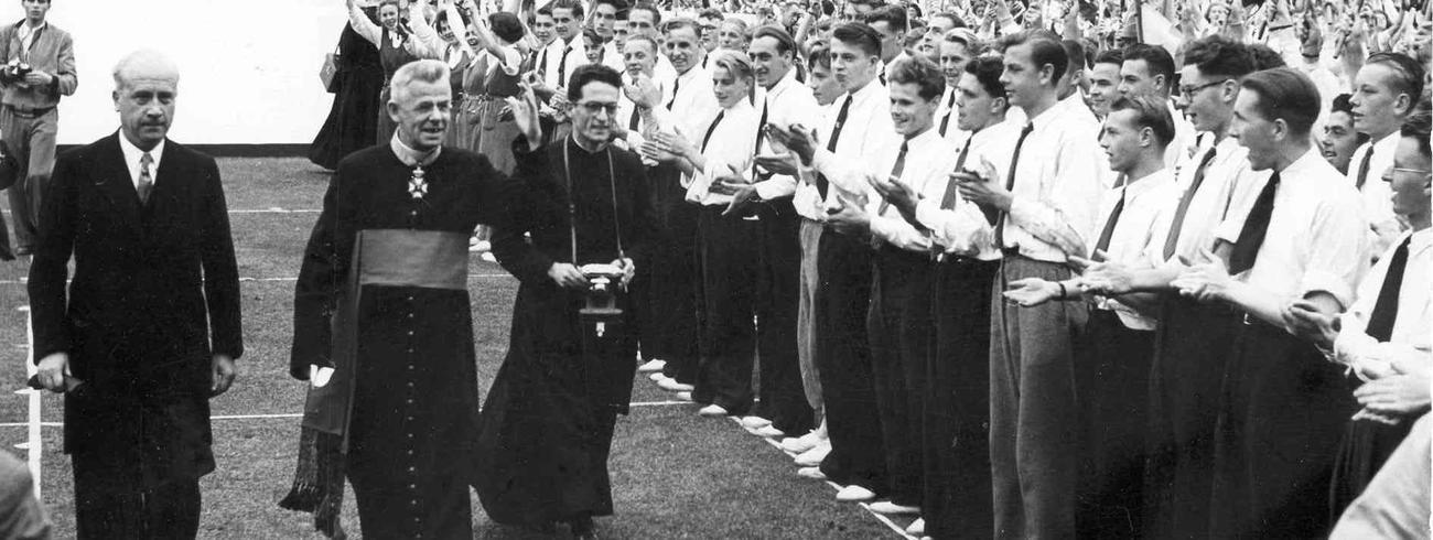 Kardinaal Jozef Cardijn tijdens KAJ-jubelcongres in Brussel, 1950 © KADOC-KU Leuven