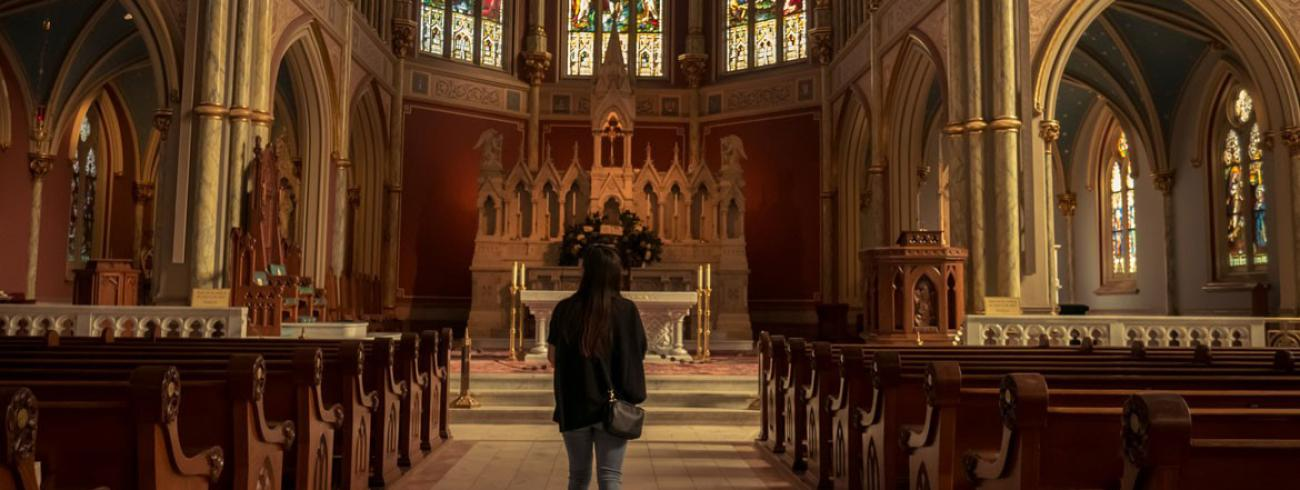Mensen kunnen gelovig blijven en geloviger worden zonder lijfelijke deelname aan de eucharistie © RR/Tertio