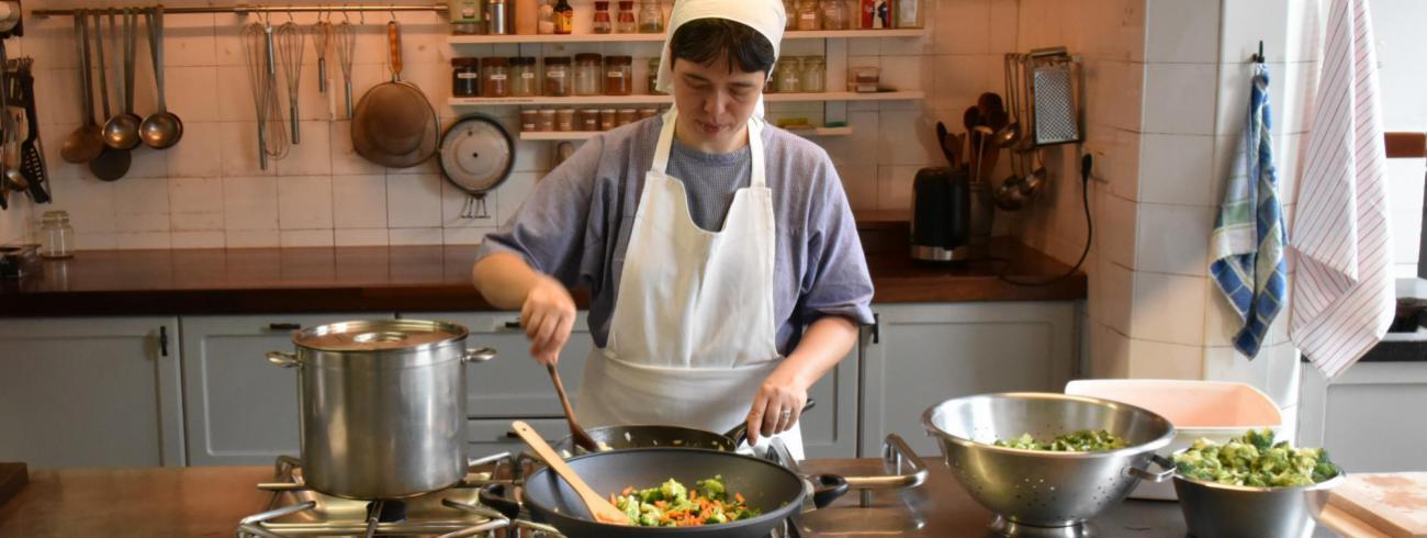Zuster Emmanuel, claris in Megen, lanceerde de website 'De vegetarische zuster'.