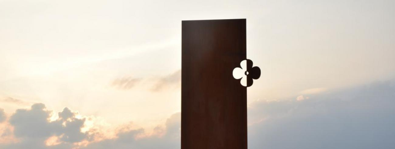 Bij dit vredesmonument in Langemark vindt de slotwake van Wakker voor Vrede in de nacht van 3 op 4 november plaats.