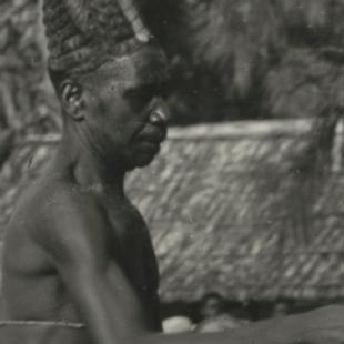 Jezuïet Wauthier de Mahieu raakte geboeid door de harmonieuze Komo in Centraal-Afrika. © Koen Van Loocke