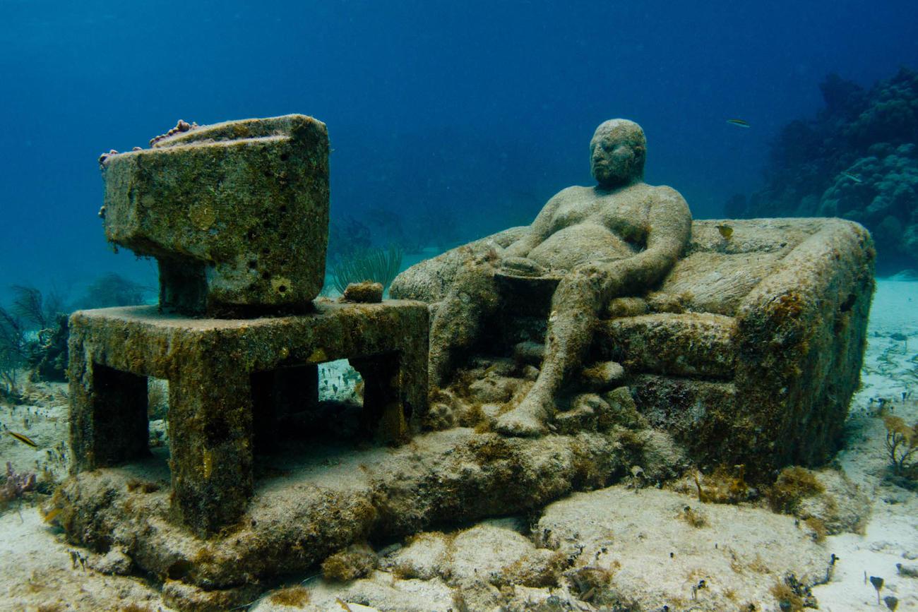'Inertia' van Jason deCaires Taylor, voor de kust van Mexico. © Jason deCaires Taylor