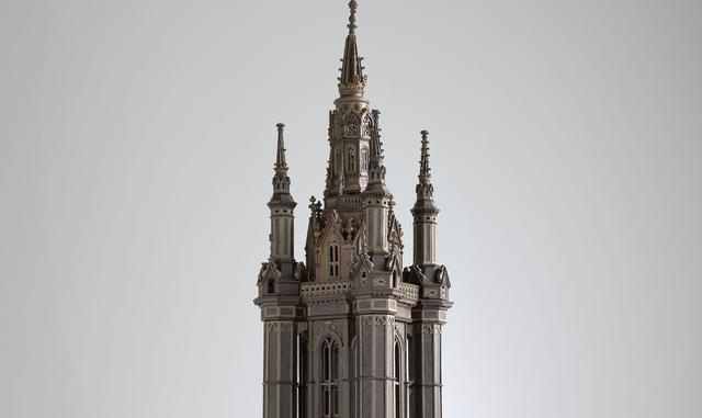 Maquette van de Sint-Baafstoren in Gent met houten spits in het STAM © www.lukasweb.be - Art in Flanders vzw, foto: D. Provoost