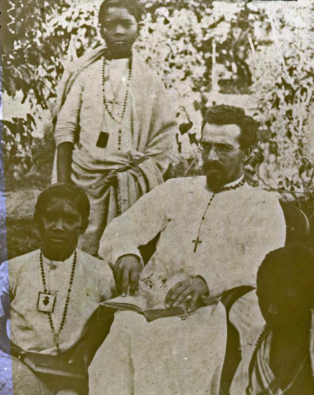 Pater Constant Lievens, bevrijder van het Adibasi-volk (1856-1893) © Madoc, Gent