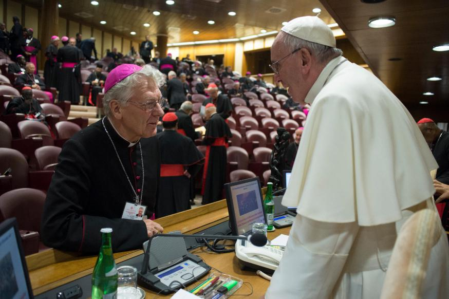 Met paus Franciscus op de synode © Osservatore romane