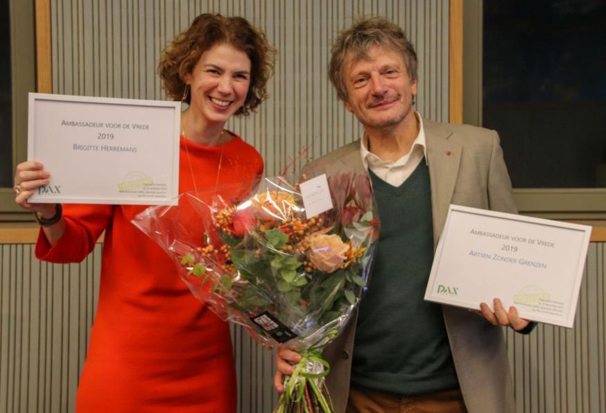 Brigitte Herremans en dr. Marc Biot van Artsen zonder Grenzen, de nieuwe Ambassadeurs van de Vrede van Pax Christi Vlaanderen © Andrea Galleguillos Rodriguez